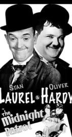 Nr.6514 -- Super 8 sound -- Laurel en Hardy The Midnight Patrol (1933) speelduur 20 minuten   Short, Comedy   3 August 1933 (USA) zwartwit Engels gesproken de complete film in orginele doos