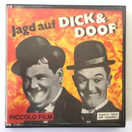 Nr.6951 Super 8 Silent -- Laurel en Hardy ,,Sons of the Dessert,, 120 meter zwartwit Silent, duitse uitvoering in orginele doos