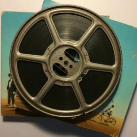 Nr.1203 --9,5mm speelfilm-- Charlie Chaplin als Politieman, zwartwit silent bestaat uit 2 delen van ca.120 meter in orginele Film Office dozen