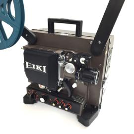 Nr.8219 -16mm-prachtige Eiki NT-2 met halogeenlamp: ELC 24V 250W.,  versterker 20Watt, optisch/magnetisch geluid, basislens met zoom converter voor extra groot beeld, spiekerkap, heeft service beurt gehad en is in perfecte staat.