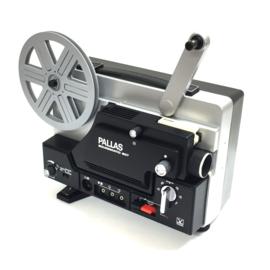 Nr.8189 -een z.g.a.nieuwe Pallas Soundmatic 607 voor super 8 mm-film, sterke halogeenlamp 12V-100W, 180m.spoelen, mooi geluid, heeft service beurt gehad en is in nieuwstaat