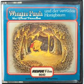 Nr.7272 --Super 8 sound--Winnie the Pooh de honing boom, ongeveer 50 meter zwartwit met Engels geluid op spoel en in orginele doos