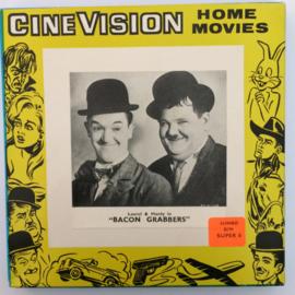 Nr.6529 --Super 8 silent , Laurel en Hardy Bacon Grabbers, 120 meter zwartwit silent in orginele doos