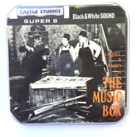 Nr.7008 --Super 8 sound --Laurel en Hardy The Music Box ca 120 meterzwartwit met Engels geluid, redelijke tot goede  copy in orginele doos