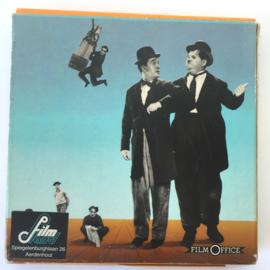 Nr.6970 --Super 8 silent-- ,, Laurel en Hardy hulp in de huishouding, 60 meter zwartwit silent, in orginele doos