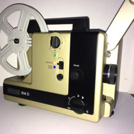 Nr.8058 -- NIEUW model Eumig 614 D  voor standard 8 mm & super 8 mm film, lens: Eumig Vario-Eupronet f: 1.4 F: 17-30 mm lamp: 12V 100W projectiesnelheid: 6, 9, 18 fps , heeft service beurt gehad, werkt weer als nieuw