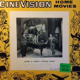 Nr.6536 -- Super 8 sound  -- Laurel en Hardy Wrong Again, zwartwit met Engels geluid op 120 meter spoel en in orginele fabrieks doos