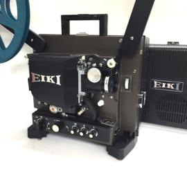 Nr.8280 -16mm-prachtige Eiki NT zwarte uitvoering, met halogeenlamp: ELC 24V 250W.,  versterker 20Watt, optisch/magnetisch geluid, basislens met zoomconverter voor extra groot beeld, spiekerkap, heeft service beurt gehad en is in perfecte staat.