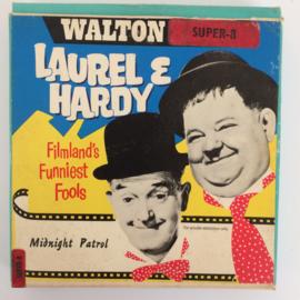 Nr.6762 --Super 8 Silent-- Laurel en Hardy Midnigt Patrol 60 meter zwartwit Silent in orginele doos