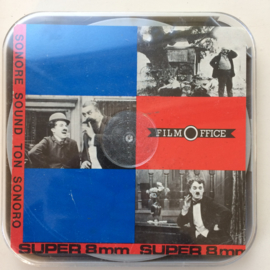 Nr.OP106 --super 8 sound -- Charlie Chaplin als ober, Film Office, zwartwit met geluid, speelduur 20 minuten in goede staat en in doos