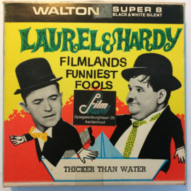 Nr.6795 --Super 8--  Laurel en Hardy  Thicker than water,  zwartwit 60 meter Silent in orginele fabrieks doos