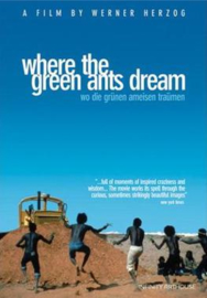 Nr.2153 --16mm- Where the Green Ants Dream 1984, West-Duitsland/Australië. Geregisseerd door Werner Herzog( Wo die Grünen Ameisen Träumen speelduur  100 minuten, Engels/Duits gesproken met Ned.ondertitels, mooi van kleur compleet met begin/end titels