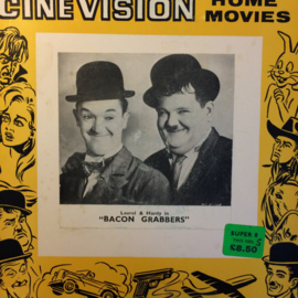 Nr.6530 -- Super 8 sound-- Laurel en Hardy Bacon Grabbers, zwartwit met Engels geluid op 120 meter spoel en in orginele fabrieks doos