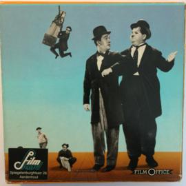 D339 --Super 8--Laurel en Hardy oliver de achtste, zwartwit 60 meter silent in orginele fabrieks doos