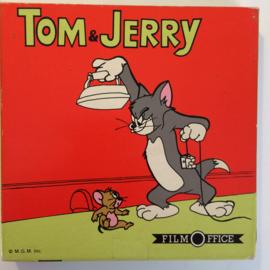 Nr.6791 --Super 8 met GELUID, Jerry en Jumbo het olifantje, zwartwit met geluid ca 45 meter op spoel en in orginele fabrieks doos