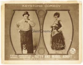 Nr. H6040  - - Super 8 Sound - Fatty Mabel Adrift 1916, zwartwit met geluid(effecten) 180 meter op 2 spoelen
