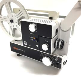 Nr.8242 -- Eumig Mark 610 D de TOPPER voor 8 en Super 8 mm film, formaatwissel: schakelaar,  Halogeen Lamp: 100 W, 12 V, lens 1,3/15-30 mm , heeft onderhouds beurt gehad, en werkt perfect