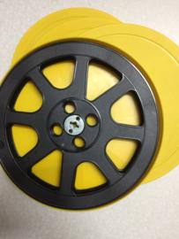 16mm --  mooie 240 meter  spoel in gele doos, voor 16mm film prijs per stuk