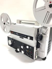 Nr.8248 -- Eumig Mark S OM voor Optisch en Magnetisch geluidsfilms voor alleen super 8 mm films, Lens: f: 1,3 F: 15-30 mm Lamp: 100 W, 12 V,  6 watt versterker,heeft service beurt gehad en werkt prima, zeer zeldzame projector