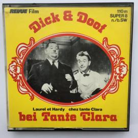 Nr.7137 --Super 8 silent-- Laurel en Hardy bij tante Clara, zwartwit silent, 120 meter in orginele doos