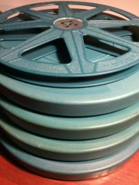 16mm ,, mooie gebruikte  spoelen in doos, voor 250 meter 16mm film,  prijs per stuk