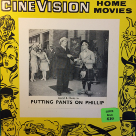 Nr.6532 -- Super 8 silent-- Laurel en Hardy Putting Pant on Phillip, zwartwit Silent op 120 meter spoel en in orginele fabrieks doos