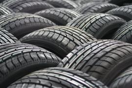 Nr.16441 --16mm-- Michelin Tyres in Aktion, zeer interesante documentaire in mooie kleuren Engels gesproken speelduur 10 minuten, compleet met begin/end titels, op spoel en in doos