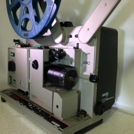 Nr.8101 -Bauer P8 Universal TS 16mm PROFESSIONAL, 4 tandige grijper Halogeen lamp  24V / 250, optisch/magnetisch geluid, zoomlens Bauer Swiss Made 1:1.3/35-65 heeft service beurt gehad incl.deksel met 2 spiekers duurste uitvoering, prijs op aanvraag, bel!