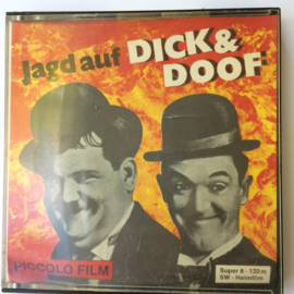 Nr.762 --Super 8 Silent Jagt auf Dick & Doof, zwartwit 120 meter silent in orginele doos