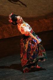 H079 --16mm-- ,,Mexican Dances,, prachtig van kleur Engels gesproken met veel dans en muziek, speelduur 34 minuten P1 & 2 compleet op spoelen en in doos