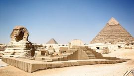 Nr.16262 --16mm-- Oude ambachten uit Egypte, mooie documentaire over de vele oude ambachten in Egypte kleur, met geluid, alleen muziek en effecten speelduur 20 minuten compleet met begin/end titels