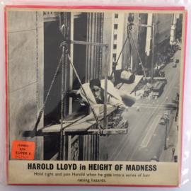 Nr.6590 - Super 8 silent ,Harold Lloyd in Height of Madness,  Zwartwit Silent,speelduur ongeveer 20 minuten (120m.), in orginele fabrieks doos