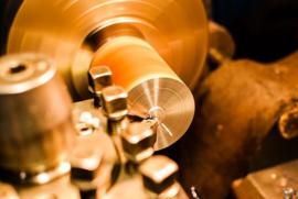 Nr.16239 --16mm-- Machine fabriek Gebr. Claas jaren '60 ,,De funktie van de maaidorser,, Zwartwit Nederlands gesproken een zeer interesante film uit de jaren '60, speelduur 20 minuten op spoel en in doos