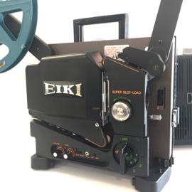 Nr.8178 --16mm-- Eiki, SL-2 Super Slot Load met optisch/magnetisch geluid, Lens: 50 mm F1.2, 6-element, Lamp: 24v 250W ELC, projector heeft onderhouds beurt gehad incl.spiekerkap  en is in zeer goede staat