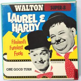 Nr.7275 --Super 8 silent-- Laurel en Hardy One Good Turn op 50 meter reel zwartwit silent op spoel en in orginele doos