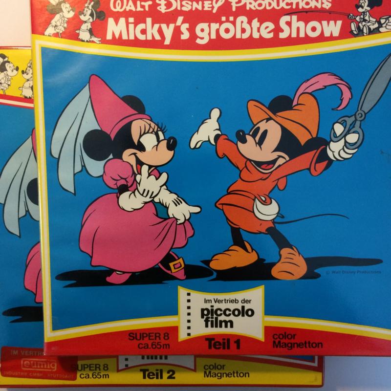 Nr.644 en nr.645 - Super 8 SOUND ,, Micky's grote show van Walt Disney ,, bestaat uit 2 DELEN van ca.70 meter in mooie kleuren, Duits gesproken, in orginele dozen.
