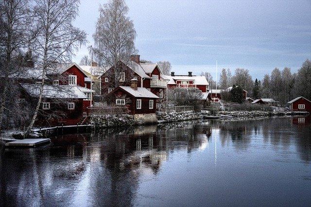 H069 --16mm-- Faces of Sweden, prachtige kleuren documentaire over Zweden, mooi van kleur, speelduur ca.20 minuten, Engels commentaar compleet op spoel en in doos