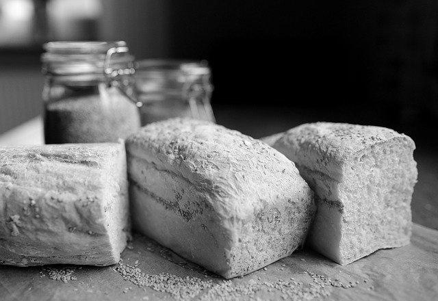 H047 --16mm--,, Levend brood ,, een promotie film voor brood van de Kon.Ned.gist en spiritusfabriek jaren '50, zwartwit Nederlands gesproken speelduur ca.10 min.