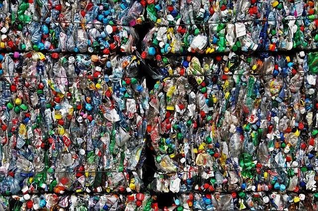 Nr.16265 --16mm-- ,,Sanitary Landfill,, prachtige kleurenfilm over afvalverwerking begraven of verbranden,  mooi van kleur en Engels gesproken compleet op spoel en in doos