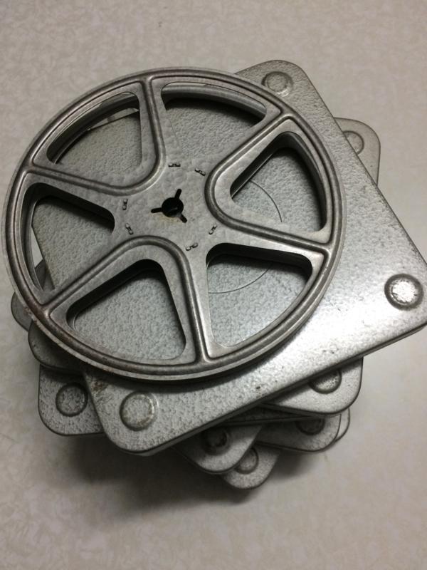 DUBBEL 8  Posso spoelen voor 90 meter doorsnee 14,8 cm  metalen spoel in  metalen doos, prijs per stuk