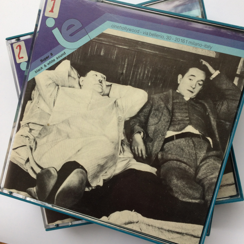 Nr.6003 Super 8 sound LAUREL & HARDY in BLOCKHEADS 1938 , de complete film Engels gesproken speelduur 58 minuten in 3 delen van 120 meter zwartwit , zit in orginele dozen van cinehollywood