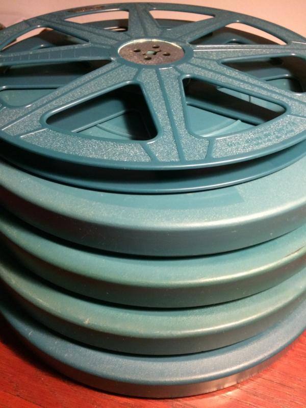 16mm ,, mooie gebruikte  spoelen in doos, voor 350 meter film,  prijs per stuk
