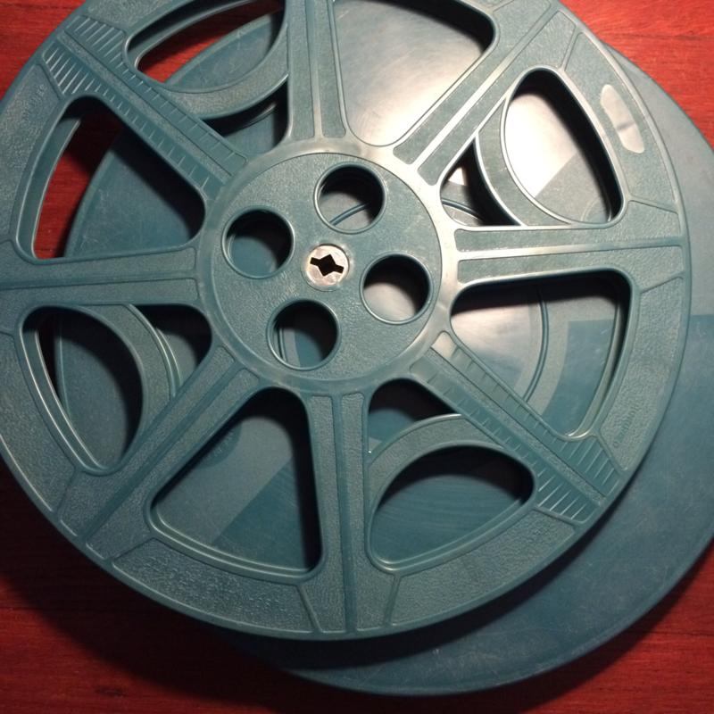 16 mm --  spoel in doos voor 600 meter 16mm film , per stuk