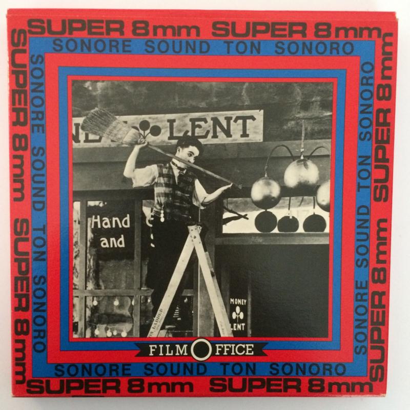 Nr.6554 --Super 8 SOUND, Charlie Politieagent, 120 meter zwartwit met geluid in orginele Film Office doos