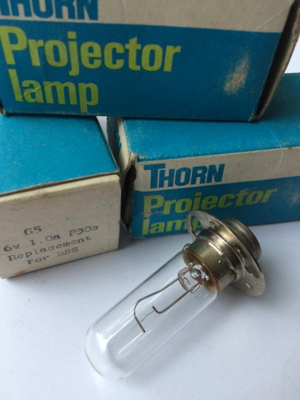 Nr. R160  THORN Exciter Lamp 6V - 1A, sokkel P30s, ANSI: BSS,  gloeidraad verticaal, toonlamp voor o.a. Hokushin 16mm projectoren