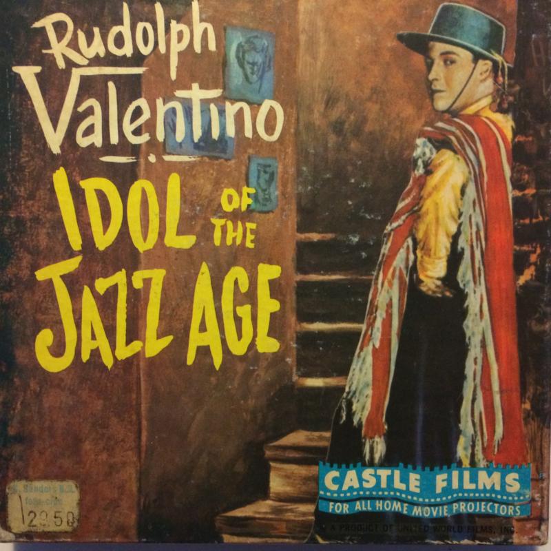 Nr.1542 --Dubbel 8 Silent--Rudolph Valentino Idol of the Jazz Age,  60 meter zwartwit silent, zit in de orginele fabrieks doos