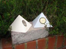 DM 1695 Pyramide uurwerk
