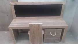 bouwpakket speeltafel met krijtbord 150x110x40 met 1 stoel en opbergbak