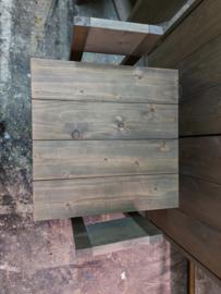 Tafeltje 60x60x60 met 2 stoeltjes