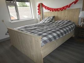 steigerhouten bed 160x200
